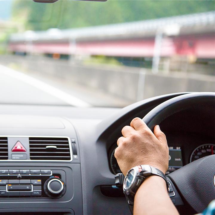 安全かつ丁寧な運転を心がける